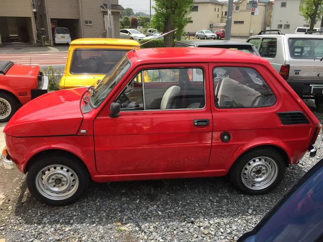 まとまりのある小型車らしいスタイリング