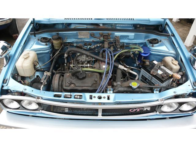 エンジンはキャブの唸りがドライバーをひきつけます
