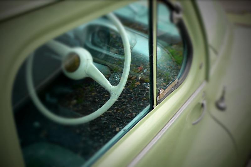 HINO-Renault 4CV
