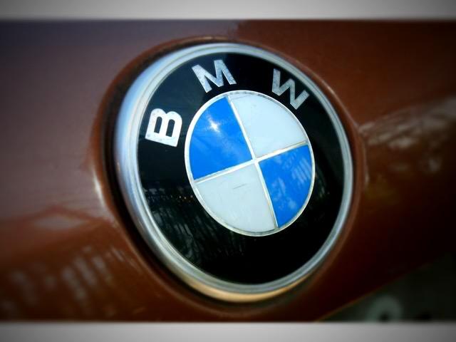 BMW520 完璧なエンブレム それがBMWだ